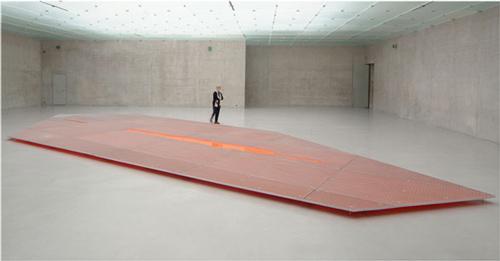 Jean-Marc Bustamante. Lava II, 1600x600x15 cm, 2006