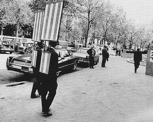 Homme sandwich, Daniel Buren, 1968